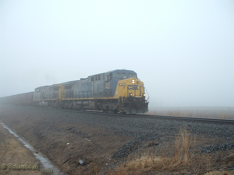 CSX Southbound on Youngstown Line Out of the Fog.jpg