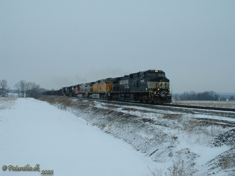 2 NS Southbound on the Youngstown Line3.JPG